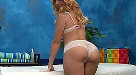 Hypnotizing Lucy doing massage with..