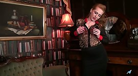 Lonely mistress Tia Jones is playing..