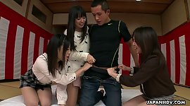 3 Japanese beauties gives a oral..